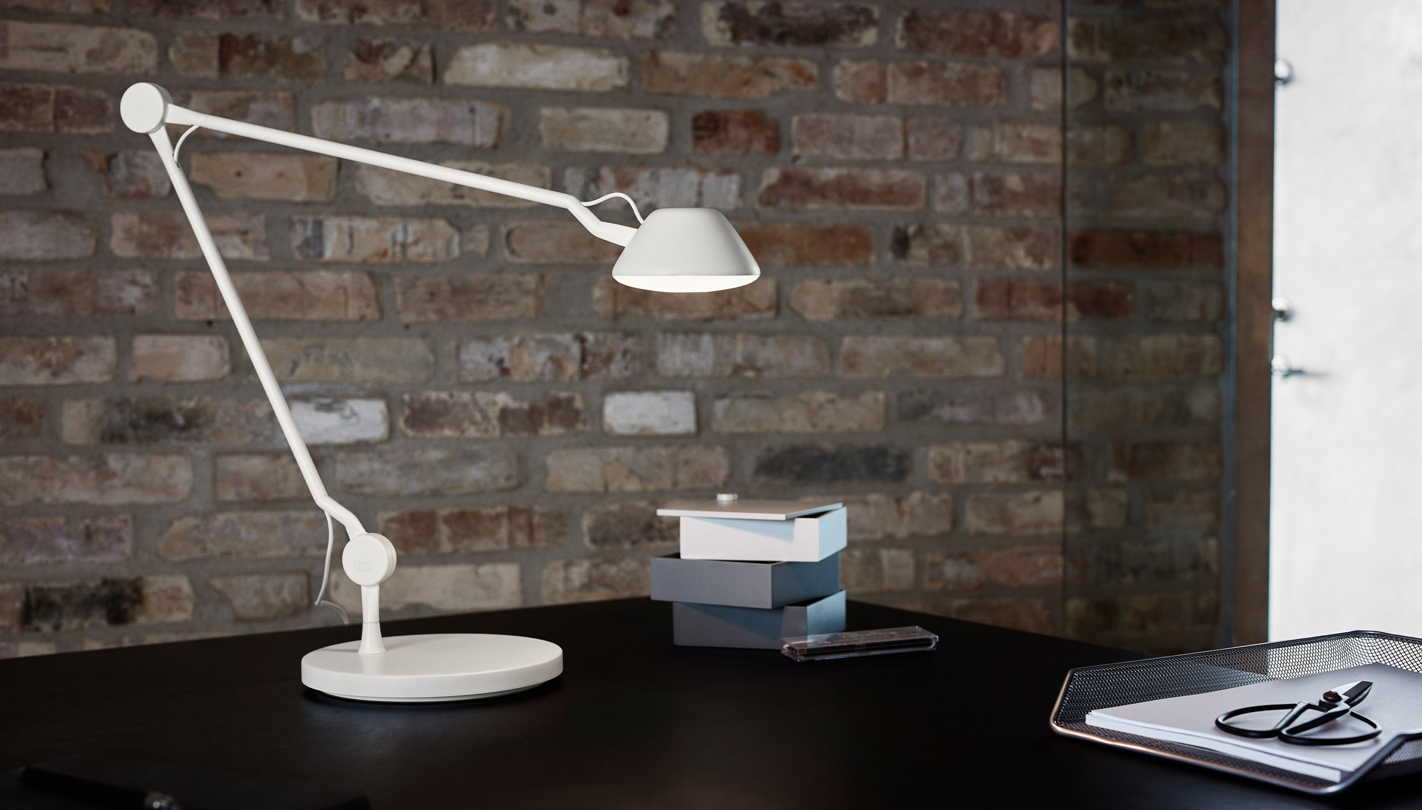 Fritz Hansen Lightyears AQ01 | Desk lamp