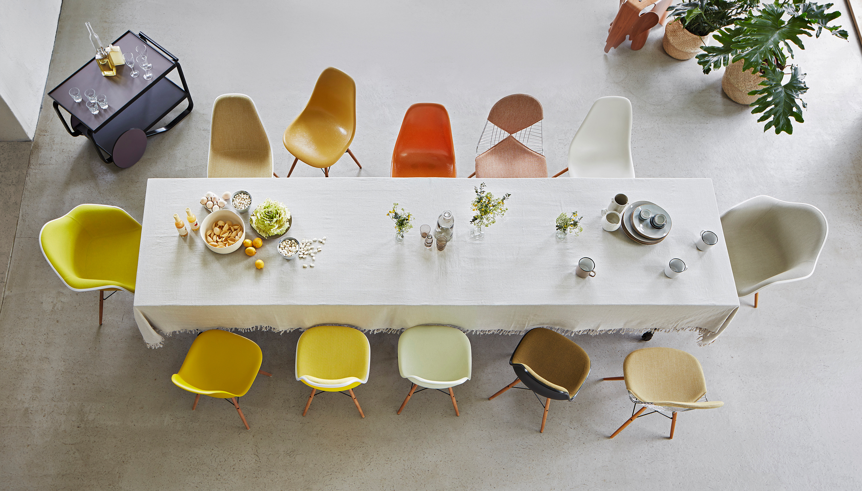 Vitra Eames Plastic Side Chair beam seating | With full upholstery