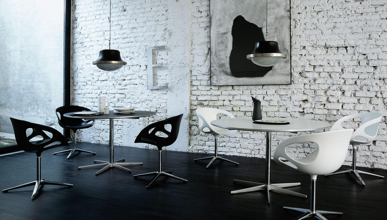 Fritz Hansen Table Series | Supercircular | Kruisvoet