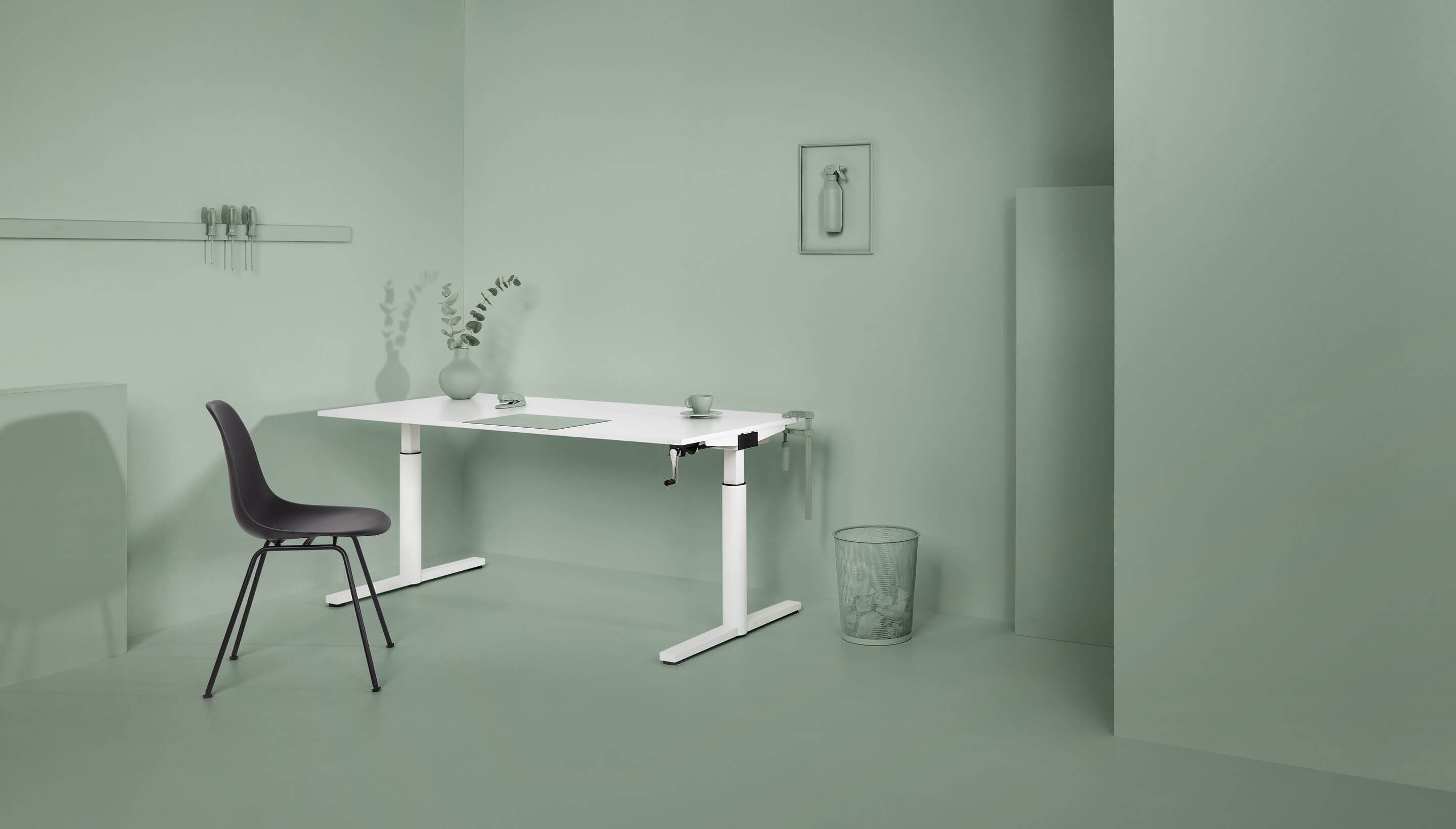 Refurbished Gispen TM desk | Grey frame