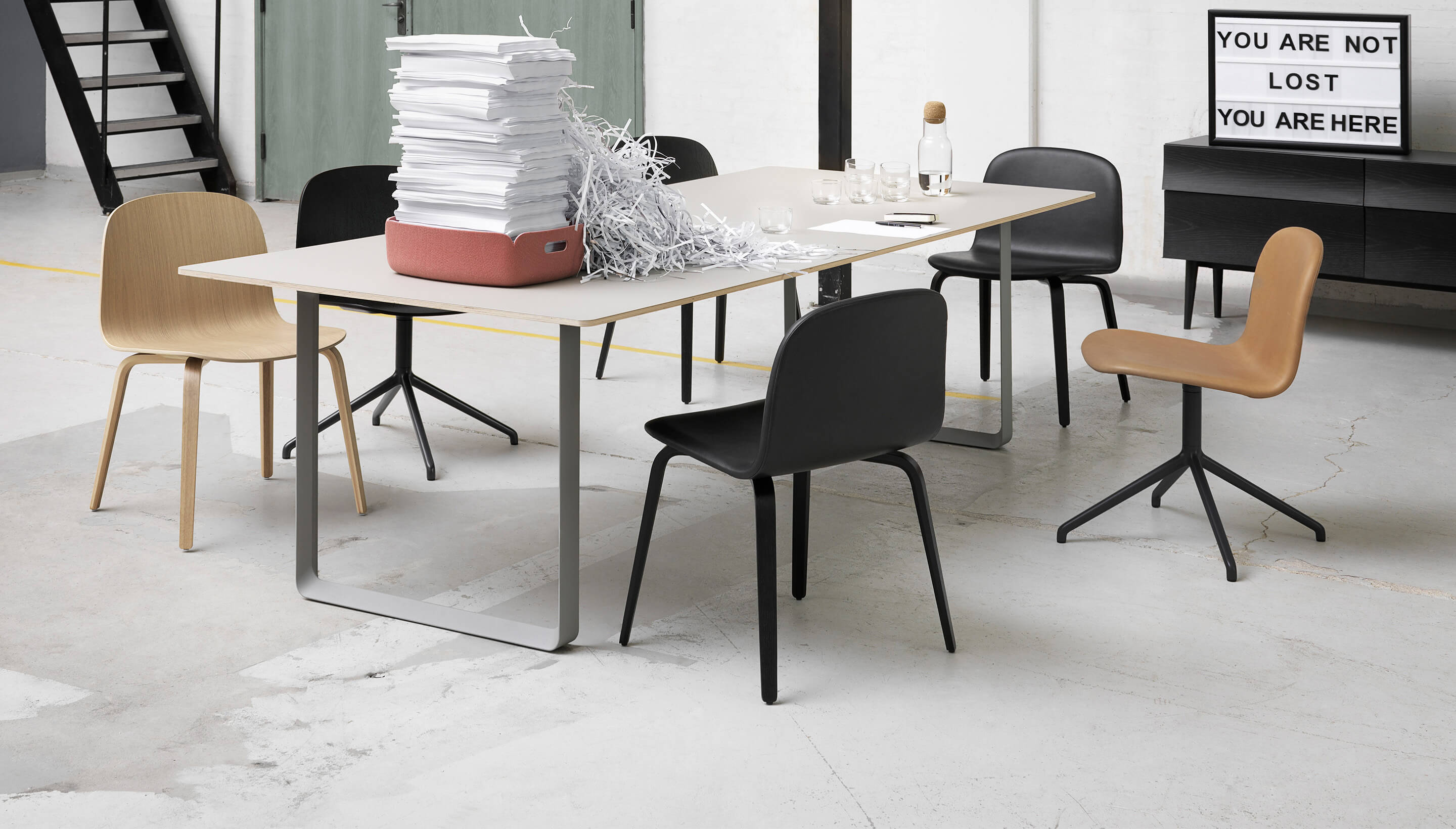 muuto muuto visu wide chair wood base workbrands