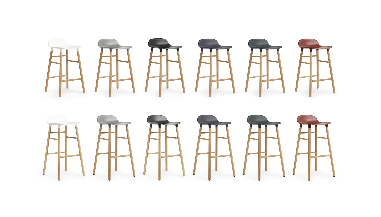 OUTLET | Normann Copenhagen Form Barstool | Weiß kunststoff | Braun eiche