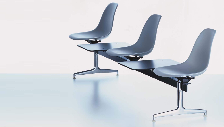 Vitra Eames Stoel : Vitra eames plastic side chair op traverse volledig bekleed