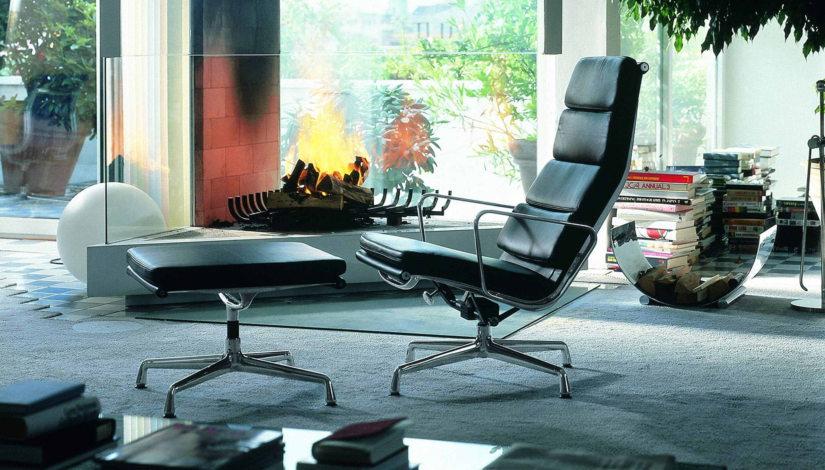 Vitra Soft Pad Chair EA 222